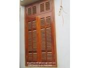 cửa sổ gỗ lim lào cánh chớp M5