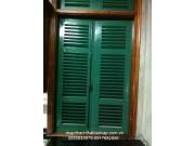 cửa sổ 2 cánh sơn dầu màu xanh M6