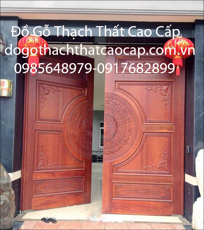 Mẫu cửa gỗ Biệt thự đục trống đồng M3